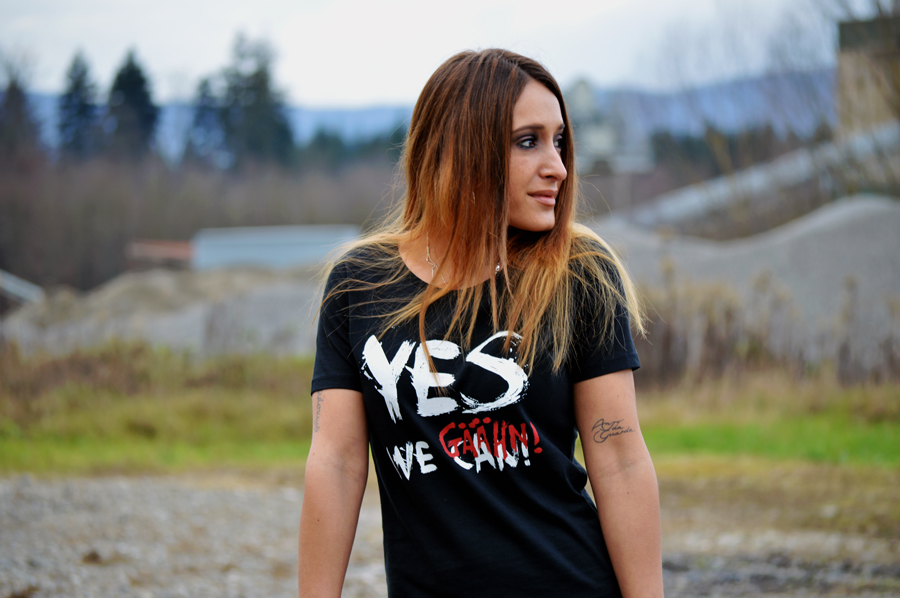 T-Shirt beschriftet