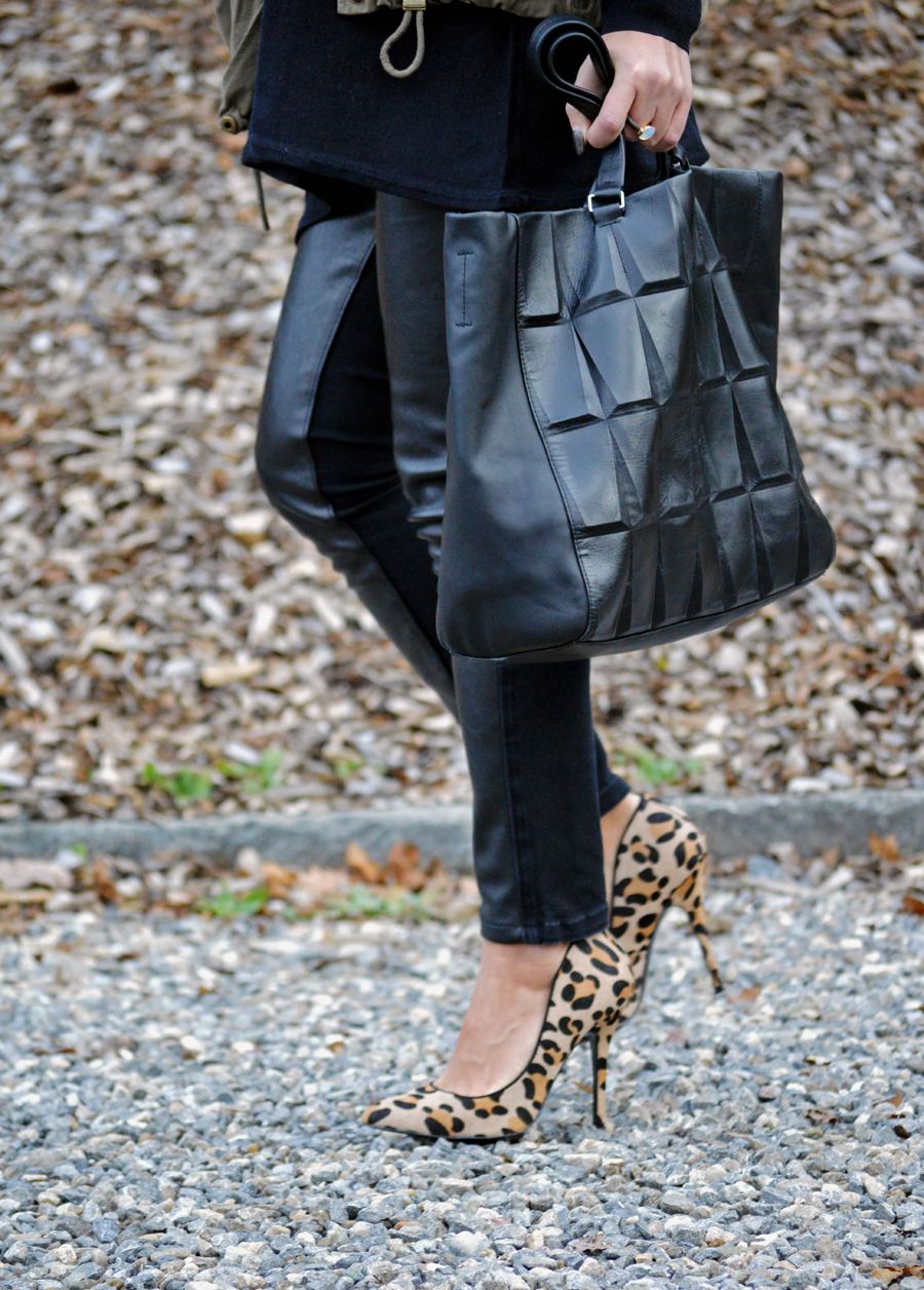 CK Tasche und Leopard Pumps