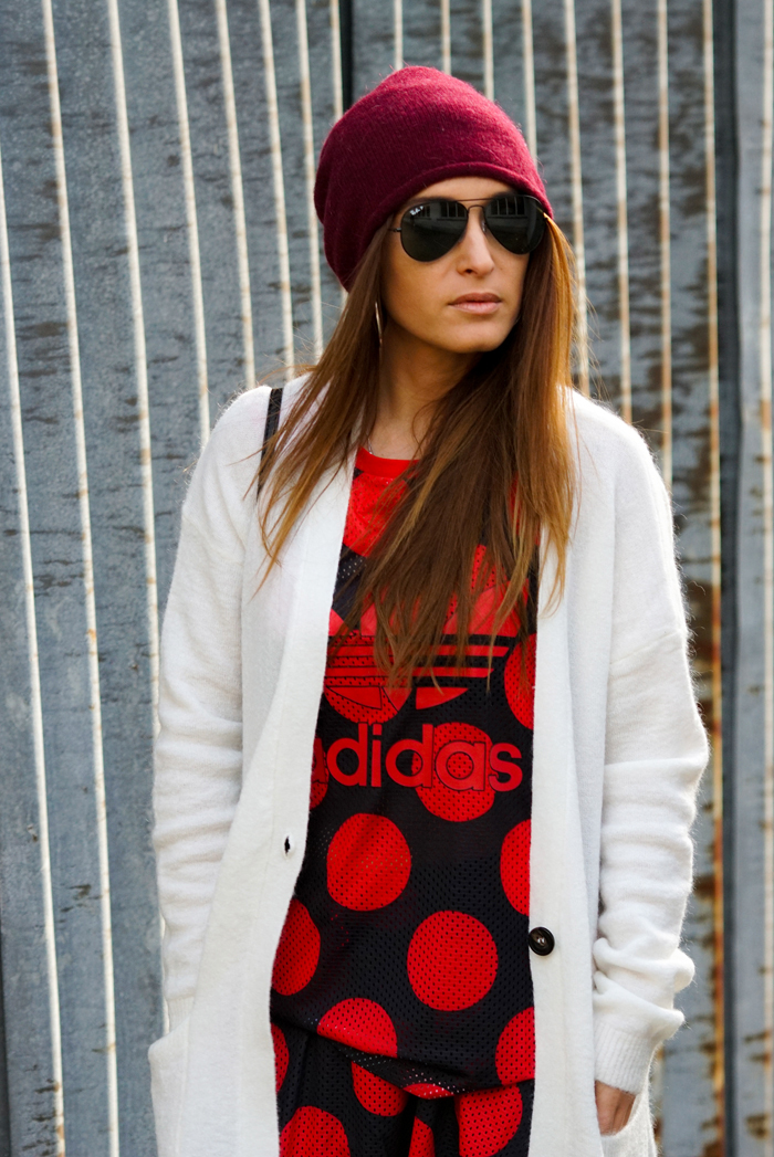 Freundschaften, Adidas Look mit Boots 03