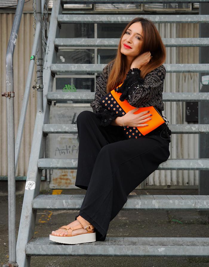 Teva Schuhe, Loubay Bag, Mango Pants and Zara Kimono 07