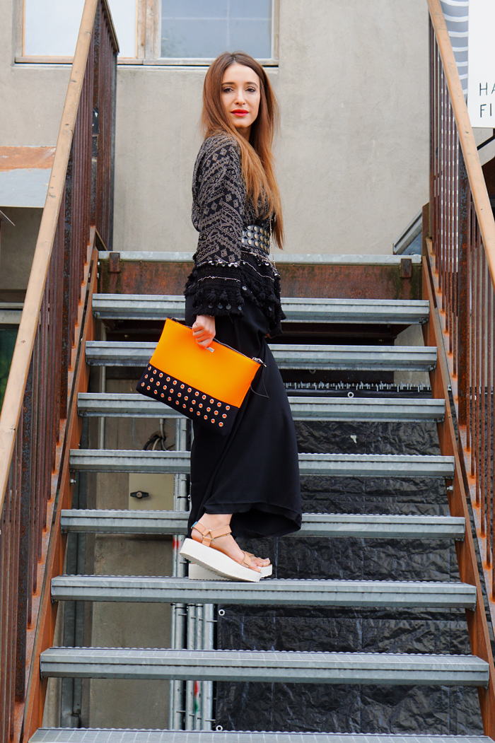 Teva Schuhe, Loubay Bag, Mango Pants and Zara Kimono 11