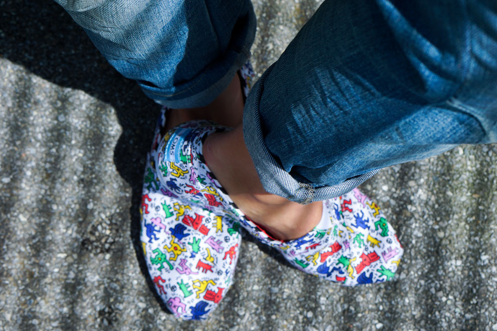 TOMS x KEITH HARING, JEANS OVERALL AND JEROME BOATENG SUNNIES 05