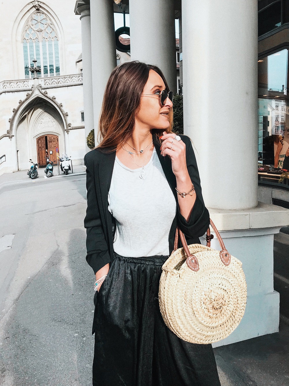 Fashion Blogger from Switzerland Nissi Mendes